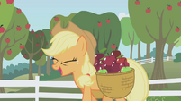 Applejack happy S01E03
