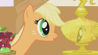 Applejack fascinated by reflection S1E04