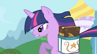 Twilight running to her Canterlot house S1E01