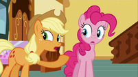 Applejack interrupting S2E24
