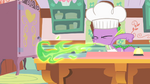 Spike bakes the pies S1E22