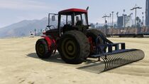 210px-Fieldmaster_with_sand_rake.jpg