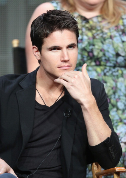 Tomorrow People Interview: Robbie Amell Talks Future ...